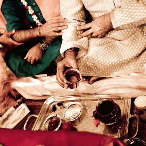 Expert Indian wedding photographer